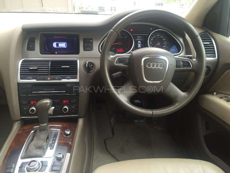 Audi Q7 3.0 TDI 2011 Image-7
