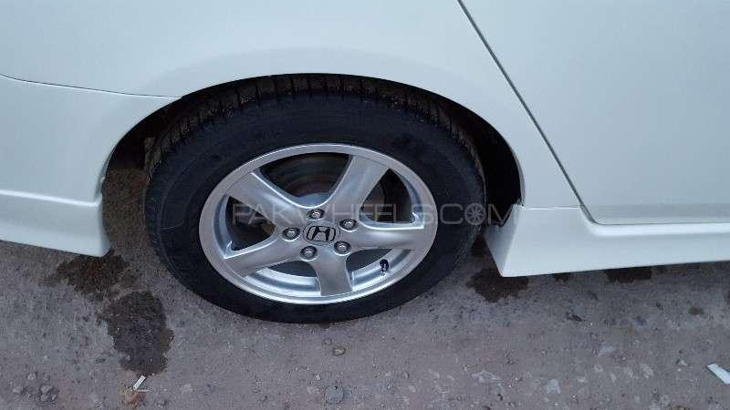 Honda Accord CL9 2004 Image-5