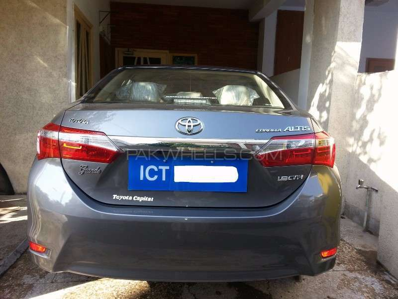 Toyota Corolla Altis Grande CVT-i 1.8 2014 Image-7