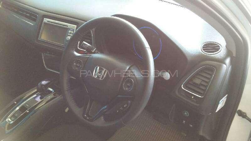 Honda Vezel Hybrid X L Package 2014 Image-9