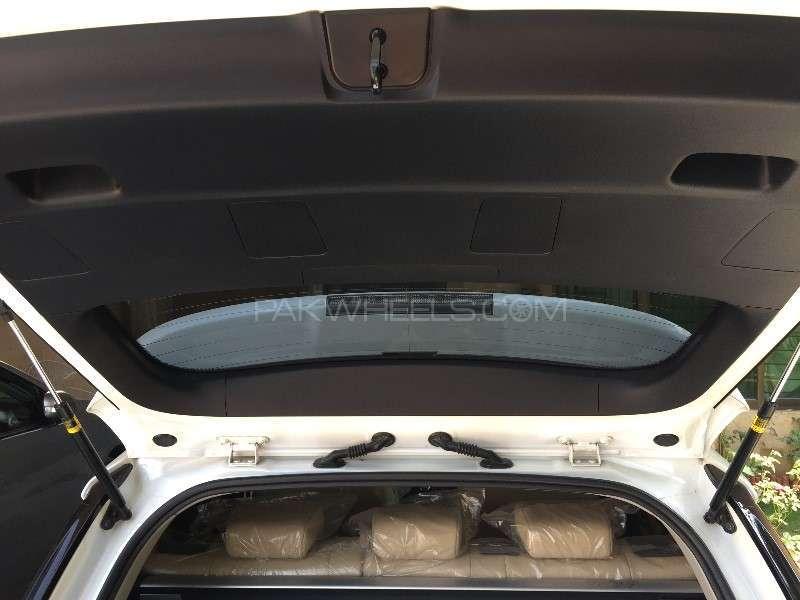 Lexus CT200h Version L 2011 Image-8
