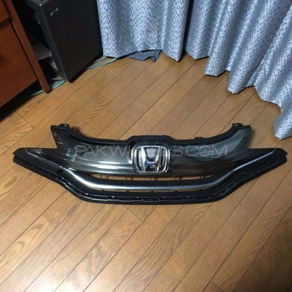 honda fit hybrid new shape front grill Image-1