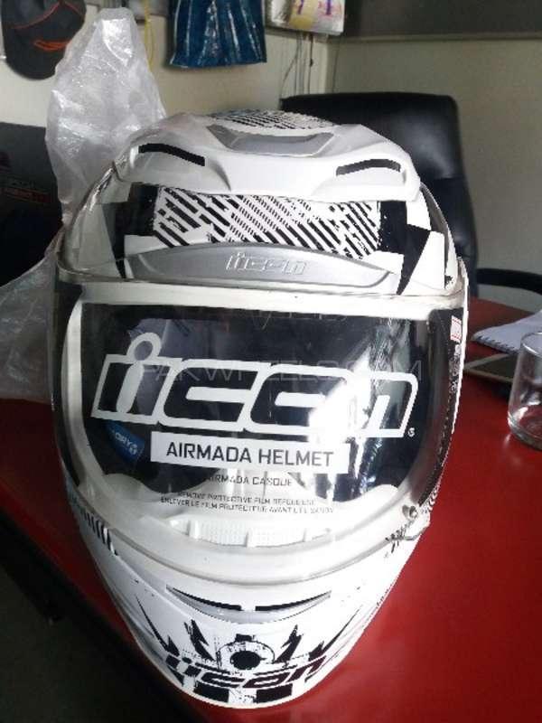 Icon helmet Image-1