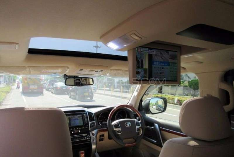 Toyota Land Cruiser ZX 2013 Image-14
