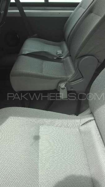 Toyota Hiace 2013 Image-6