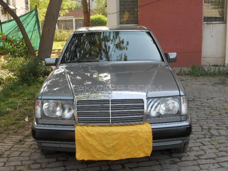 Mercedes benz e class e300 1990 for sale in lahore pakwheels for Mercedes benz 1990 e300