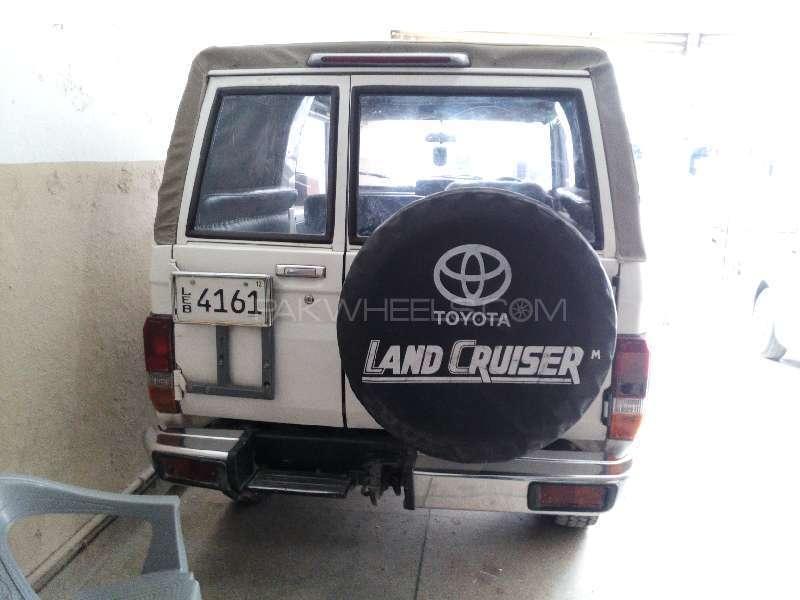 Toyota Land Cruiser 1986 Image-2