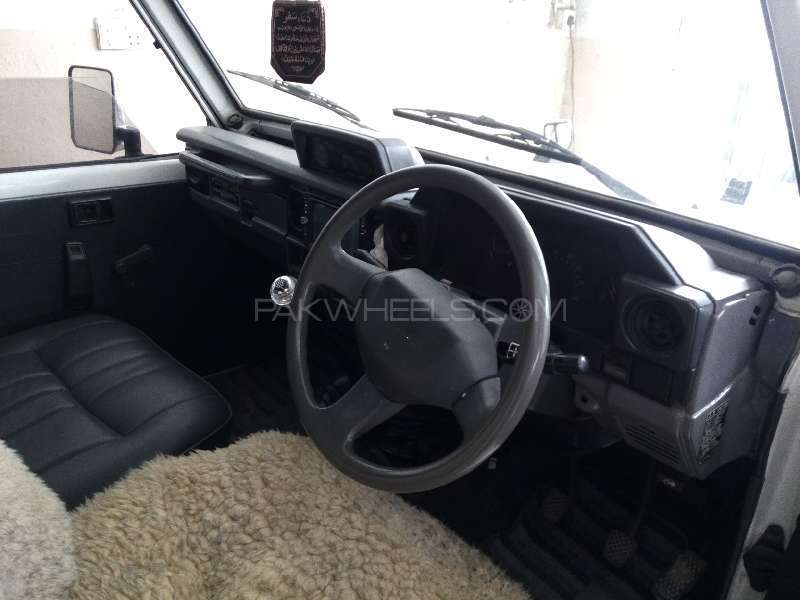 Toyota Land Cruiser 1986 Image-5