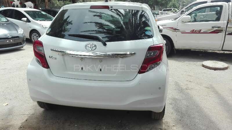 Toyota Vitz 2014 Image-6