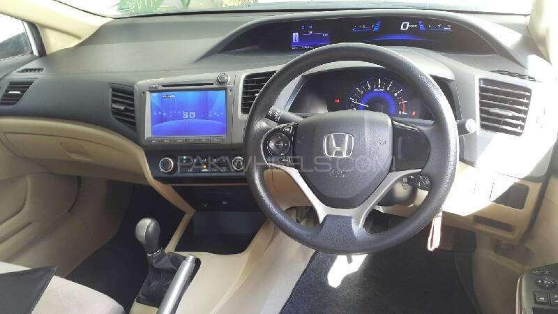 Honda Civic VTi 1.8 i-VTEC 2012 Image-9