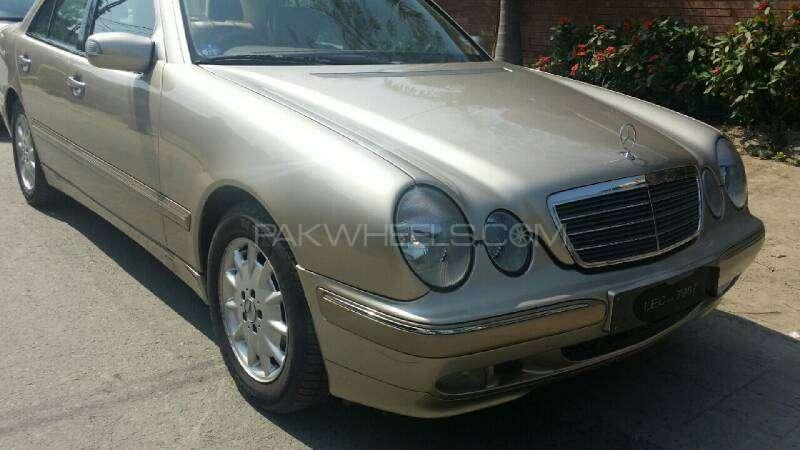 Mercedes Benz E Class E240 2001 Image-2