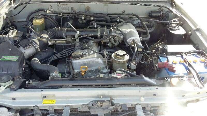Toyota Hilux 1999 Image-6