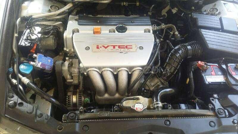 Honda Accord CL9 2003 Image-8