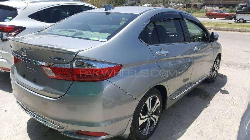 Honda Grace Hybrid EX 2015 Image-3