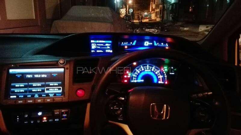 Honda Civic VTi Oriel Prosmatec 1.8 i-VTEC 2014 Image-2