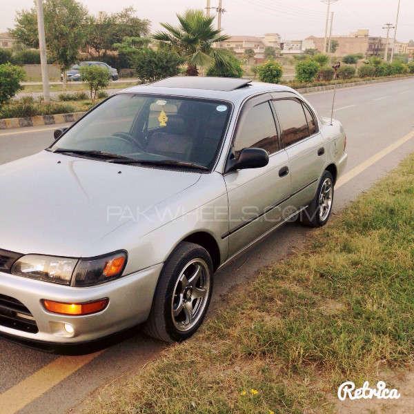 Toyota Corolla GLi Special Edition 1.6 2001 Image-2