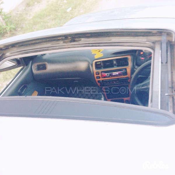 Toyota Corolla GLi Special Edition 1.6 2001 Image-8