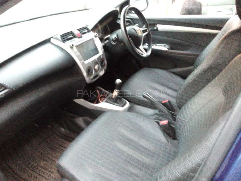 Honda City i-VTEC 2010 Image-2
