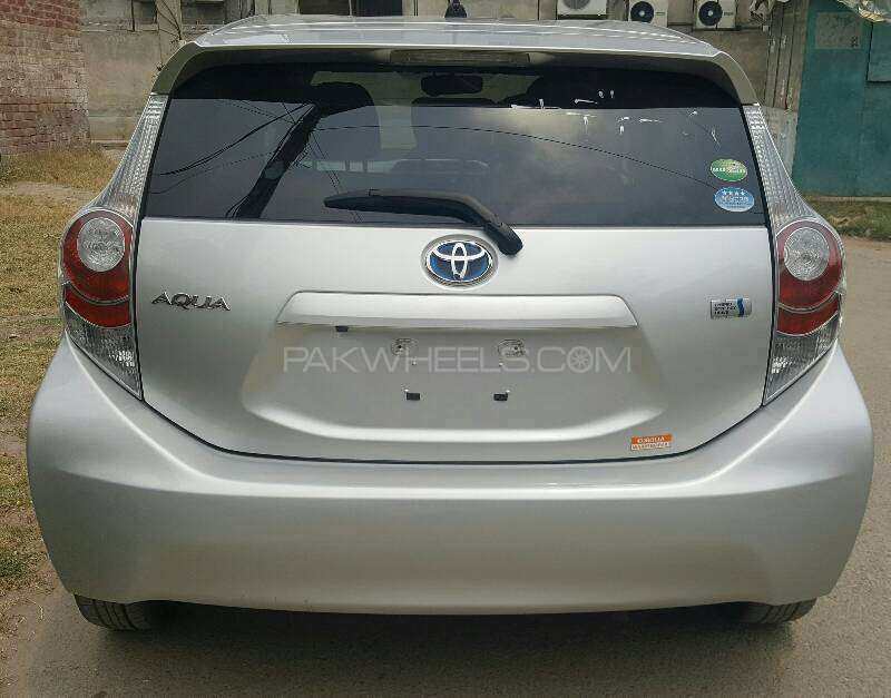 Toyota Aqua G 2012 Image-2