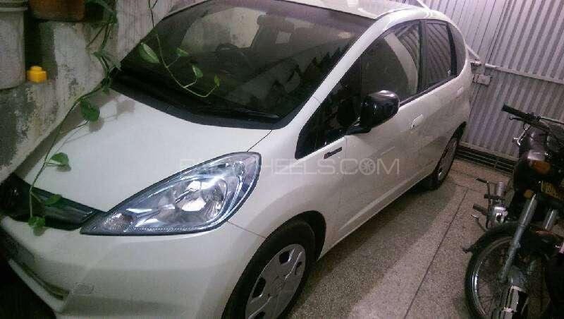 Honda Fit Hybrid 10th Anniversary 2012 Image-3