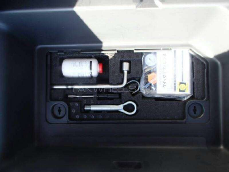 Honda Fit X 2014 Image-3