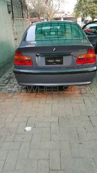 BMW 3 Series 316i 2004 Image-6