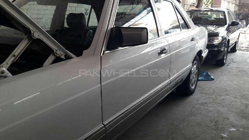 Mercedes Benz S Class 300SE 1988 Image-5