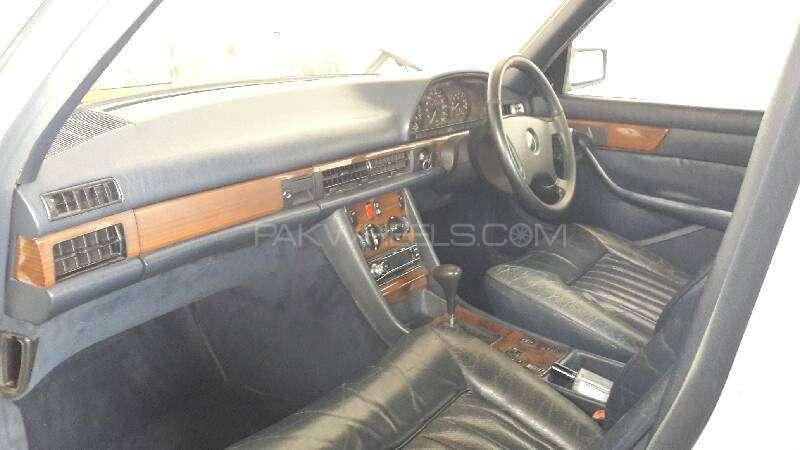 Mercedes Benz S Class 300SE 1988 Image-10