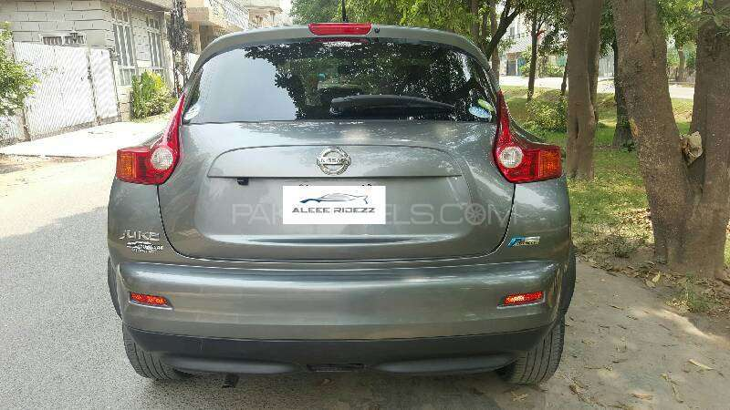 Nissan Juke 15RX Premium Personalize Package 2010 Image-2