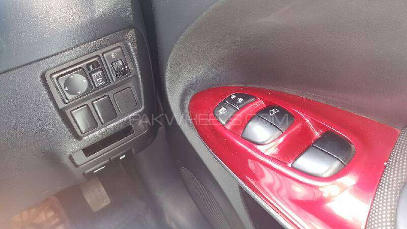 Nissan Juke 15RX Premium Personalize Package 2010 Image-8