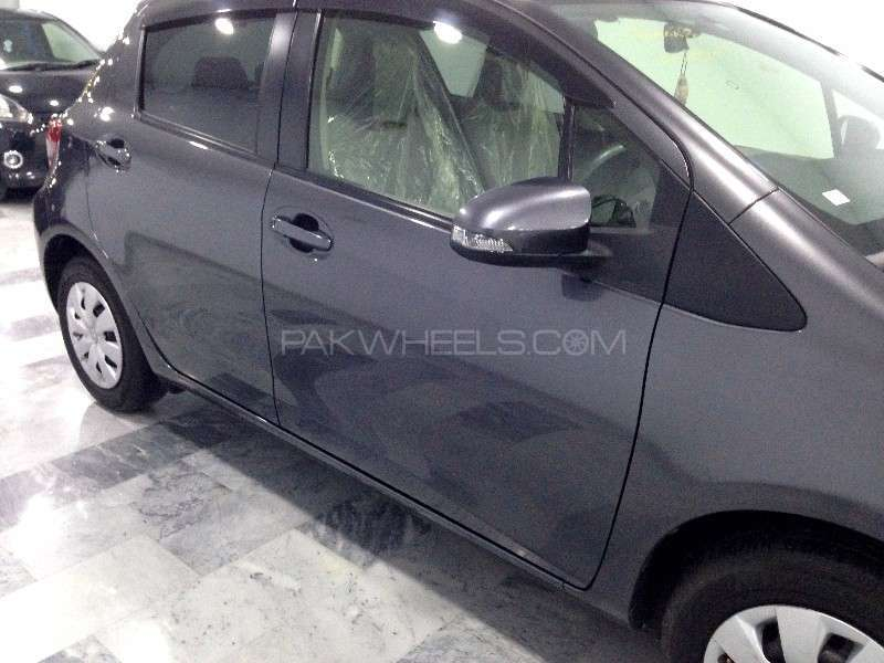 Toyota Vitz F Limited 1.0 2013 Image-8