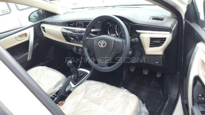 Toyota Corolla GLi 1.3 VVTi 2015 Image-14