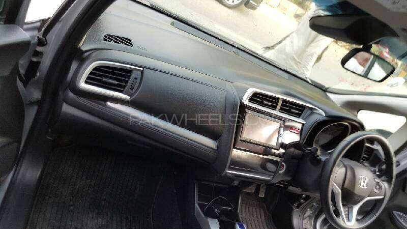 Honda Fit Hybrid Base Grade 1.5 2014 Image-6