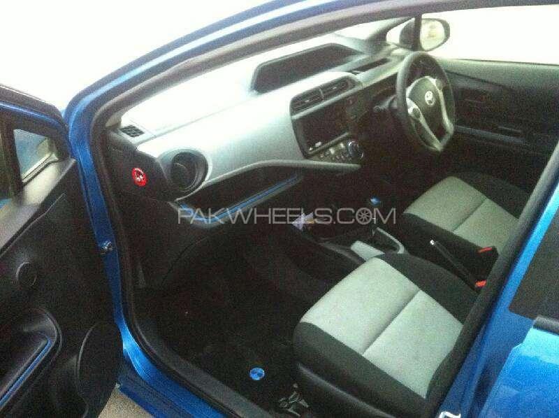 Toyota Aqua S 2013 Image-10