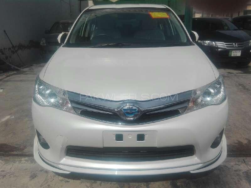Toyota Corolla Axio 2013 Image-1