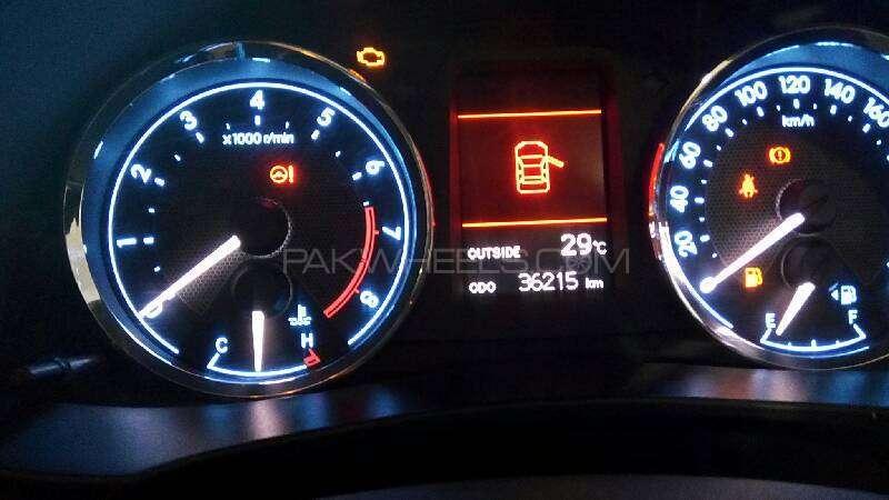 Toyota Corolla Altis Grande 1.8 2014 Image-9