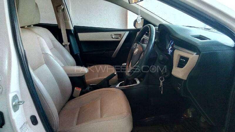 Toyota Corolla Altis Grande 1.8 2014 Image-12