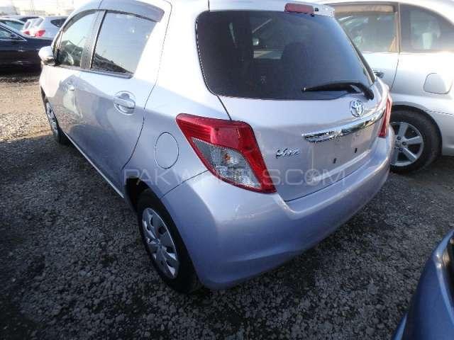 Toyota Vitz F Limited II 1.0 2013 Image-2