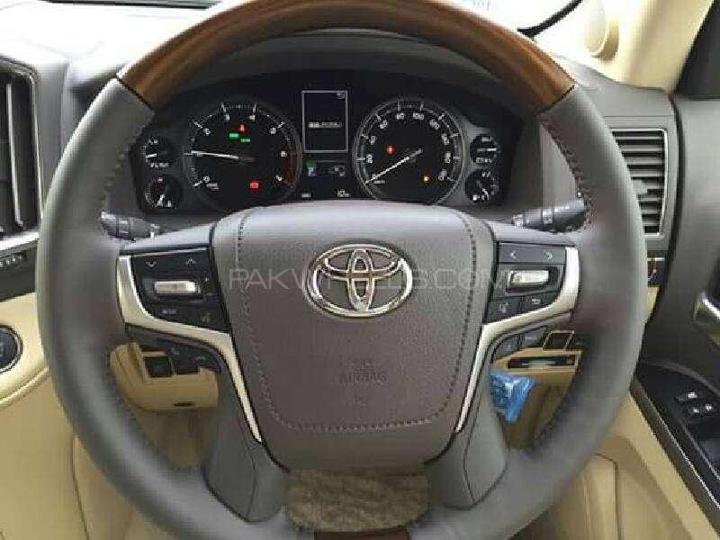 Toyota Land Cruiser ZX 2016 Image-3