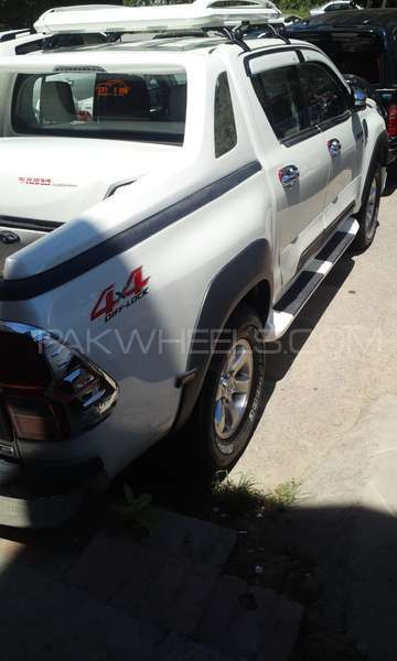 Toyota Hilux Revo G 2.8 2016 Image-2