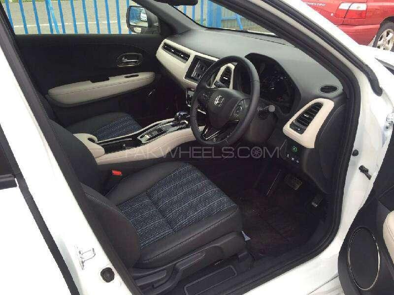 Honda Vezel Hybrid Z 2016 Image-5