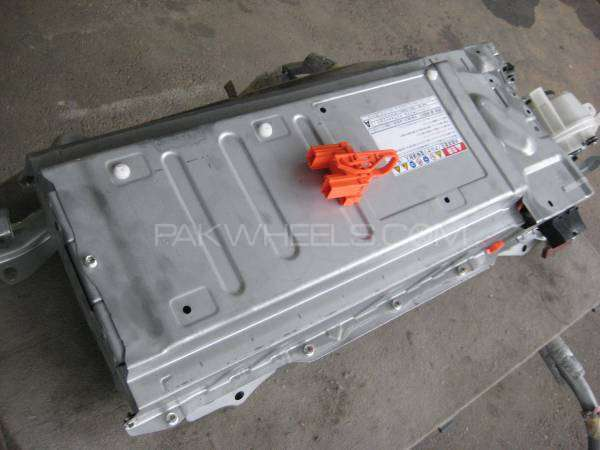 toyota prius 1800 hybrid battery for sale in lahore parts accessories 1890205 pakwheels. Black Bedroom Furniture Sets. Home Design Ideas