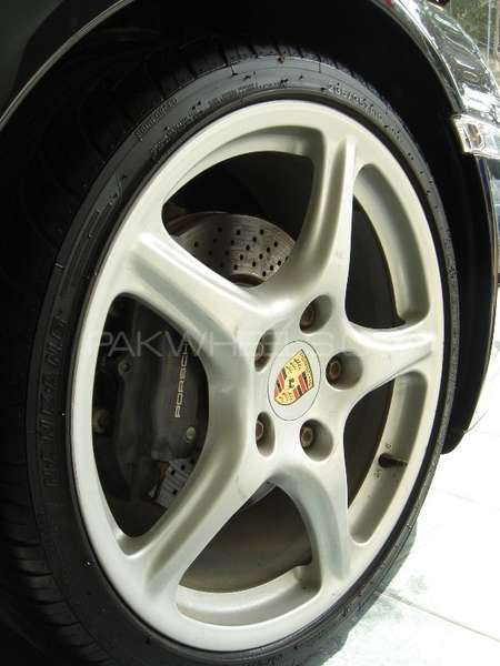 Porsche 911 Carrera 2005 Image-11