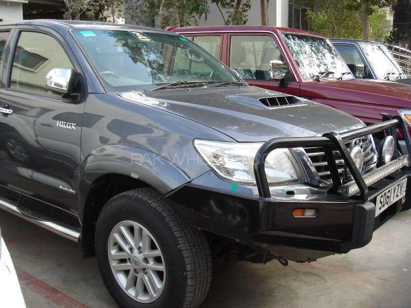Toyota Hilux Vigo G 2011 Image-2