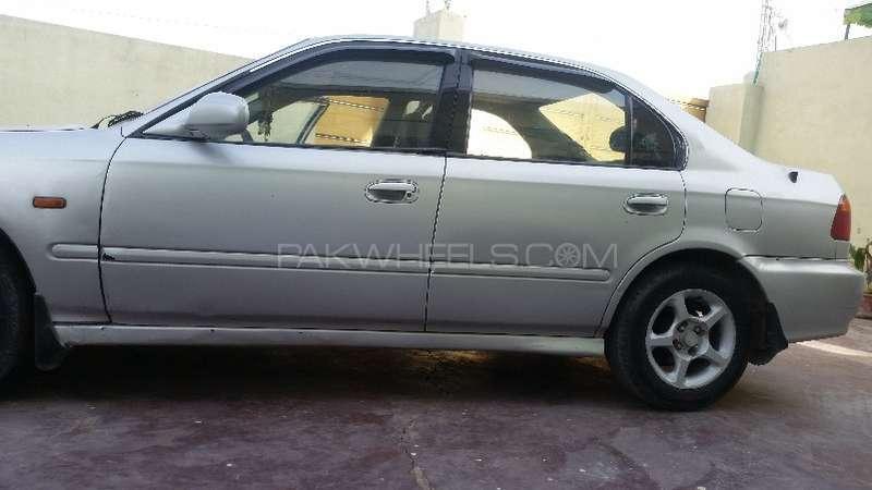 Honda Civic 1999 Image-1
