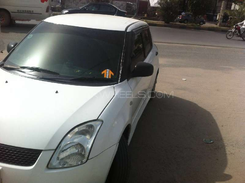 Suzuki Swift DX 1.3 2012 Image-3