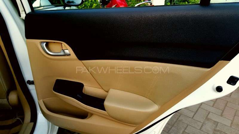 Honda Civic VTi Oriel Prosmatec 1.8 i-VTEC 2013 Image-4