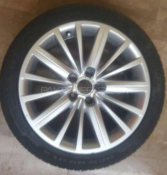 Audi Tyre & Alloy Rim 245/40R18 Image-1