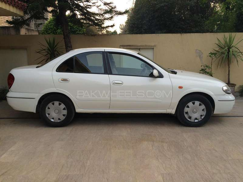 Nissan Sunny EX Saloon 1.3 (CNG) 2009 Image-1
