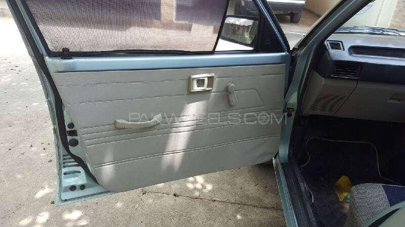 Toyota Corolla DX Saloon 1983 Image-11